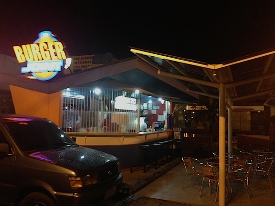 burger-joint-in-cebu5